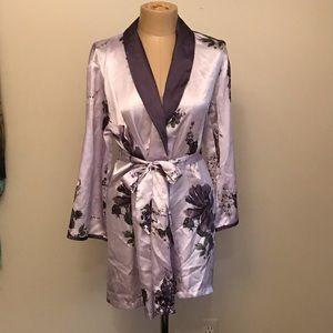 Jones NY lavender floral kimono/ robe